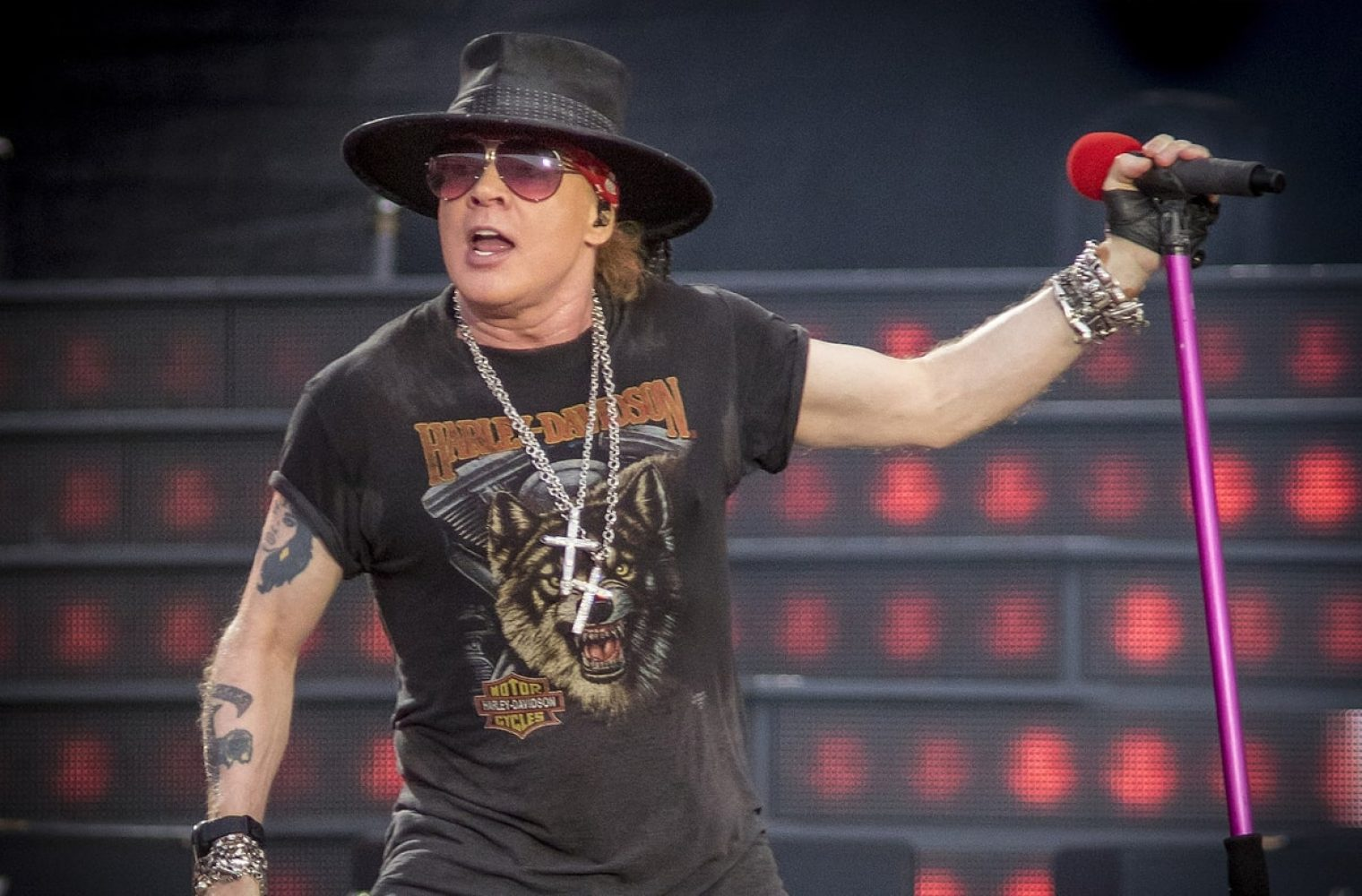 Guns N' Roses Frontman Axl Rose Falls On Stage During Vegas Show (w/Video)