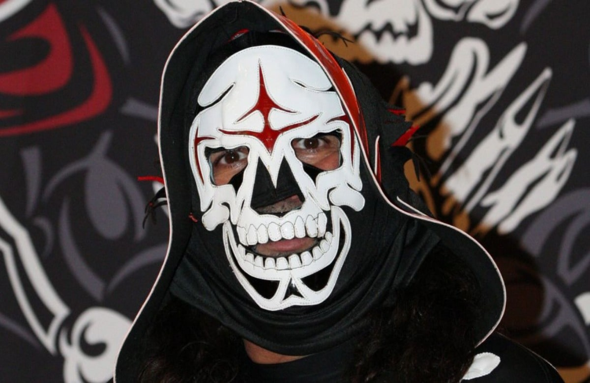 AAA To Honor La Parka At TripleMania