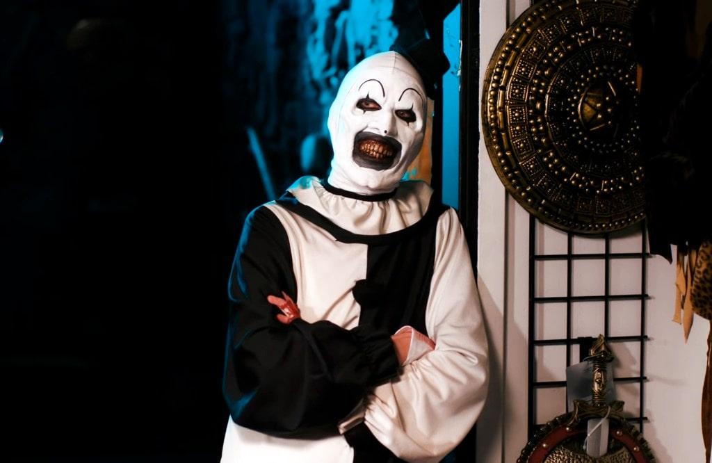 """Art The Clown Is Back In """"Terrifier 2"""" Teaser Trailer – WebIsJericho.com"""